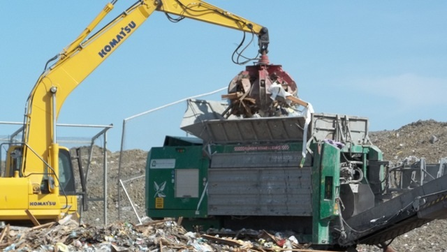 Picture of landfill grinder system 1